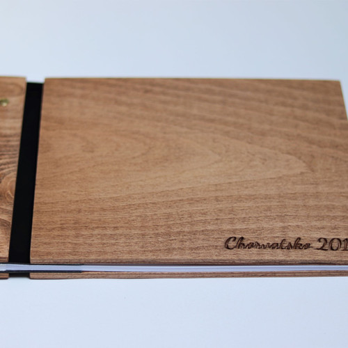 Dřevěné album