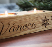 Dřevěný svícen na Vánoce