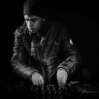 DJ JYB lors d'un événement