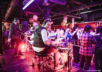 Duo DJ et drum pour vos événements corporatifs et mariage.