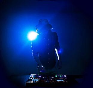 DJ Pullinsky live dans un événement à Montréal