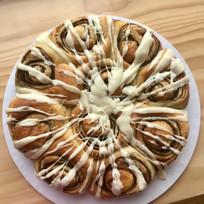 Cinnamon Roll Cake.jpg