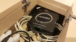 302 無線HDMI與無線基地台.jpg