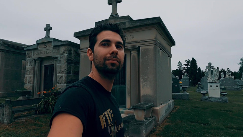 Meet me in the graveyard