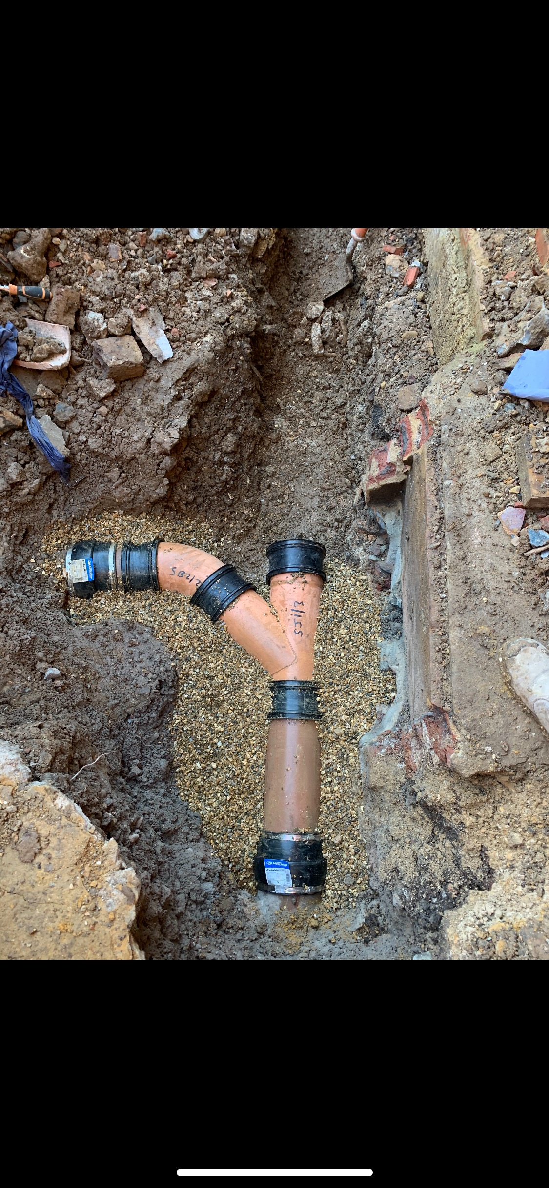 Southern Water Sewer installment using clay pipework as per Souther Water specification