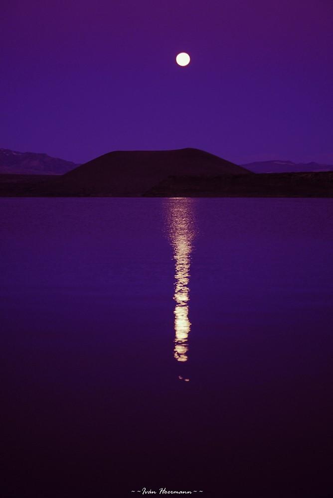 Luna en Laguna Blanca
