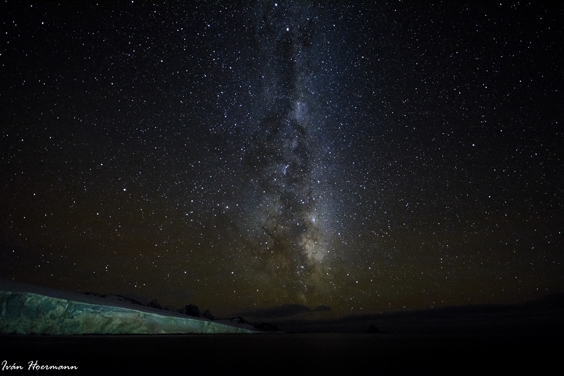 Noche antártica