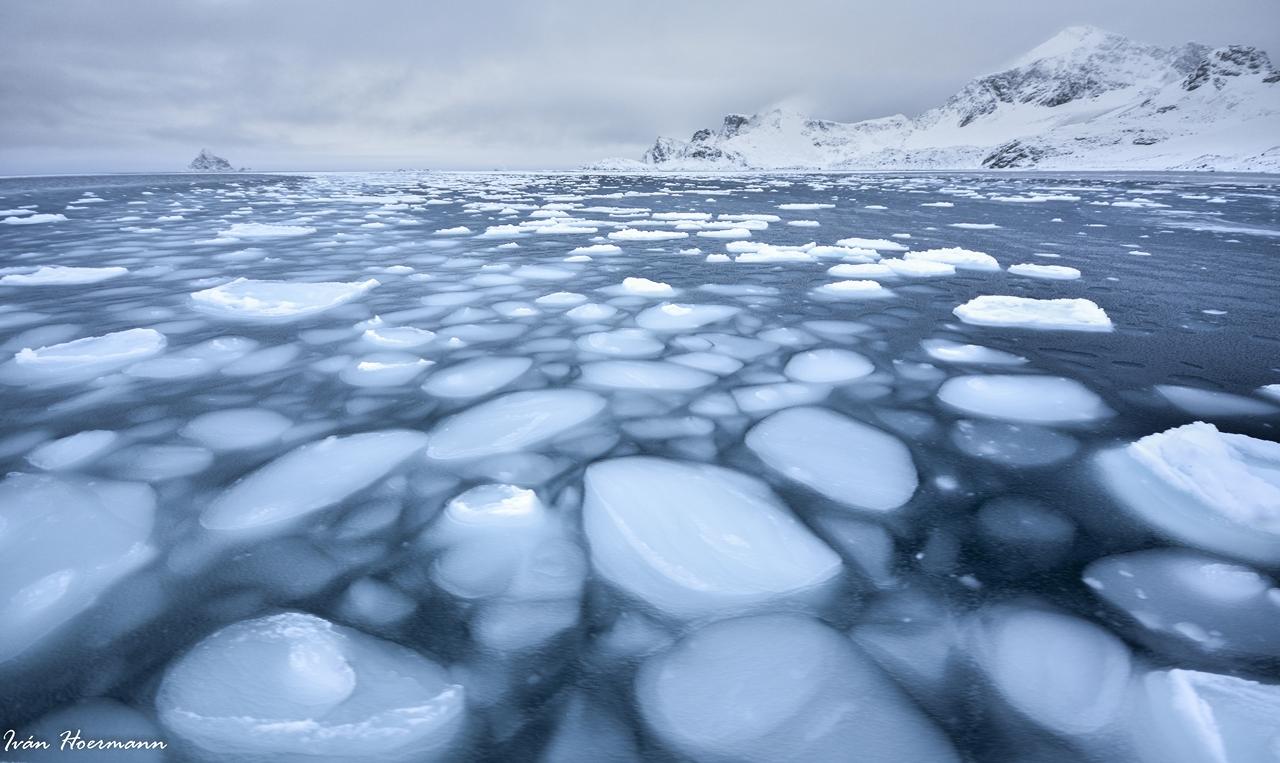 Mar congelándose