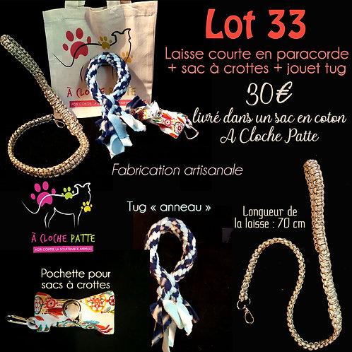 Lot 33 - Laisse + Tugs + protège sacs à crottes