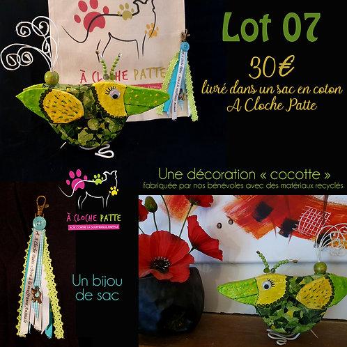 "Lot 07 - ""Cocotte"" artisanale + bijou de sac"