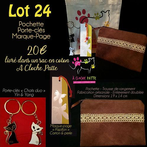 """Lot 24 - Pochette + marque-page + porte-clés """"chats"""""""