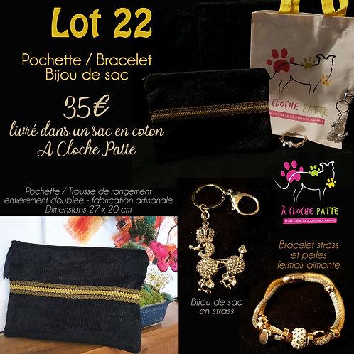 Lot 22 - Pochette + bracelet + bijou de sac