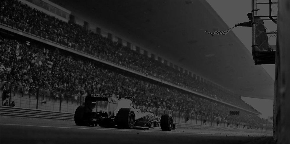 1035525_cars-formula-one-lewis-hamilton-
