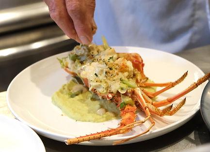 Lobster%20on%20Plate_edited.jpg