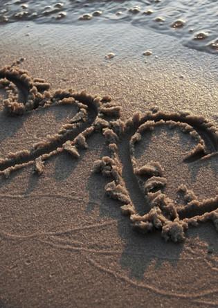 Beach%20HEARTS%20highRES%20copy_edited_edited.jpg