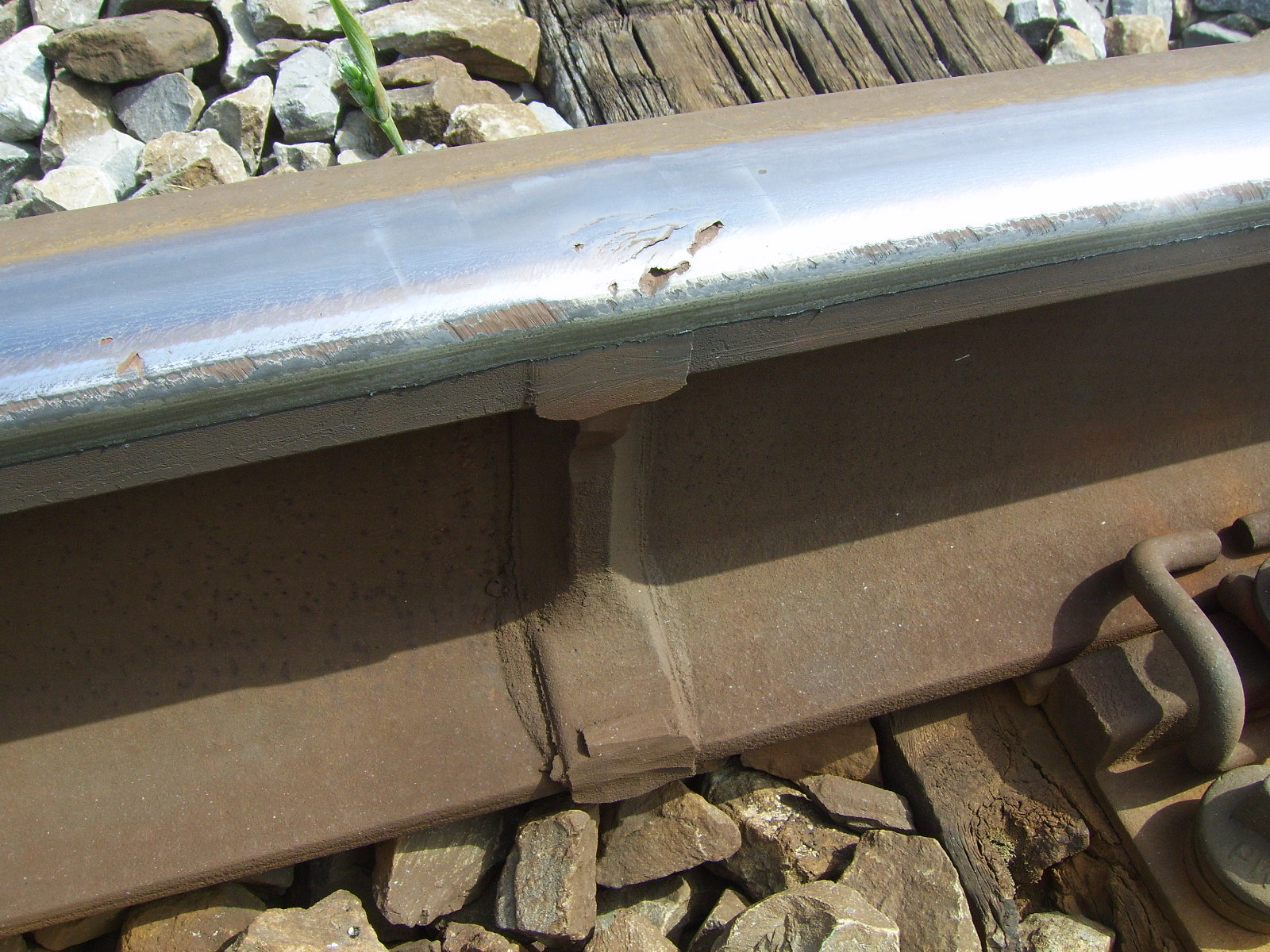 VT on welded rail joint