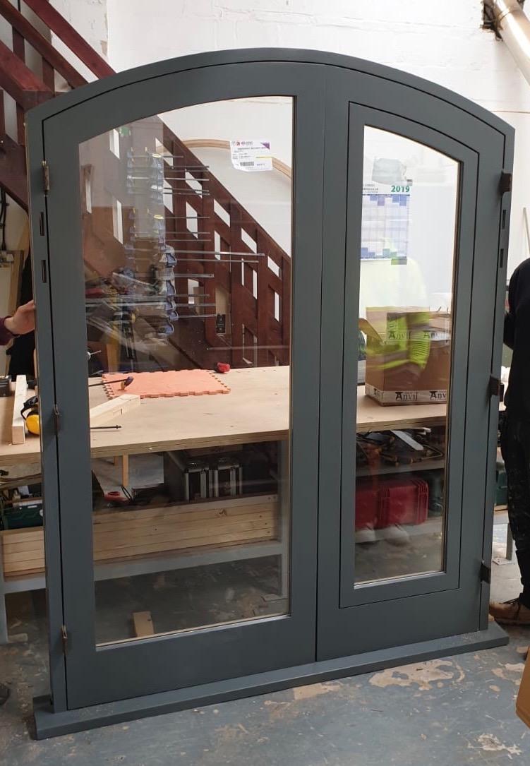 Entranceway Pivoting Window