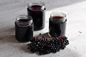 Benefits of Elderberry Syrup and How to Use It