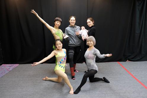 Yuka_with_studentsadults.JPG