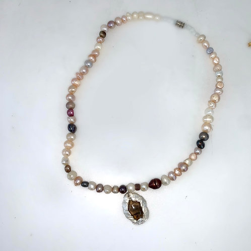 Assorted pearl necklace