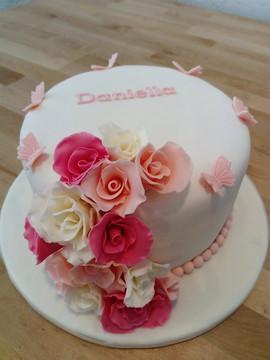 Pastel rosas y mariposas