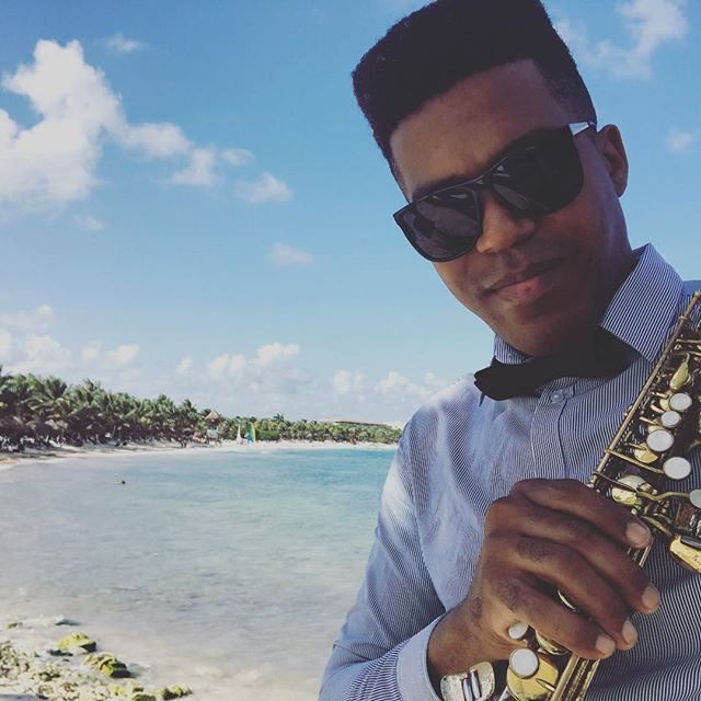 Great weddings today 🎶🎷💍#grandpalladium #grandpalladiumrivieramaya #sax #mexico #destinationweddi
