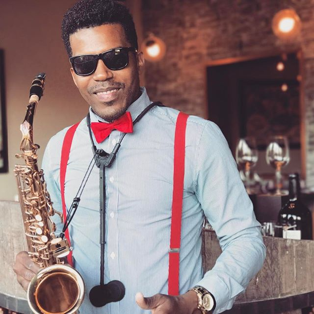 Sax for Dinner 🎶🎷 #playadelcarmenwedding #cozumel #wine #azulsensatori #mexico #weddingsinmexico #