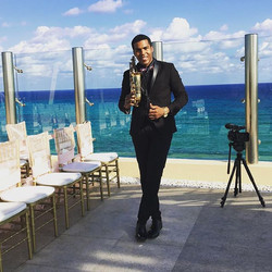 Weddings today 🎶🎶🎷💍 #cancun #playadelcarmen #tulum #cozumel #rivieramaya #generetionresort info_