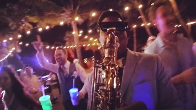 Bodas 🎶🎷💍 #playadelcarmen #playadelsecreto #usa #sax #canadaweddings #usaweddings #lomastravelwed