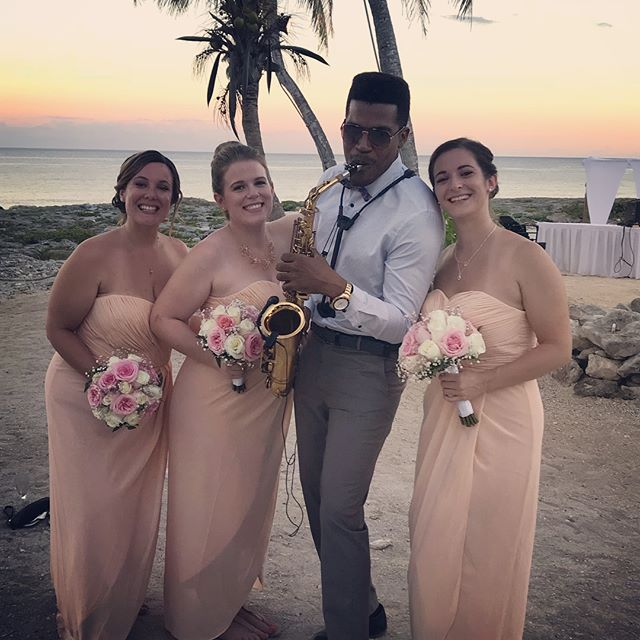 Atardecer 🌅  beautiful Wedding 👰 at Grand Sirenis #grandsirenisrivieramaya #grandsirenis #mexico #