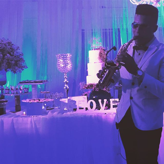 Love play at weddings 🎶🎶🎷💍 #cuzumel #mexico #bodasenmexico #miboda #wrdeings #mexicoweddings #us