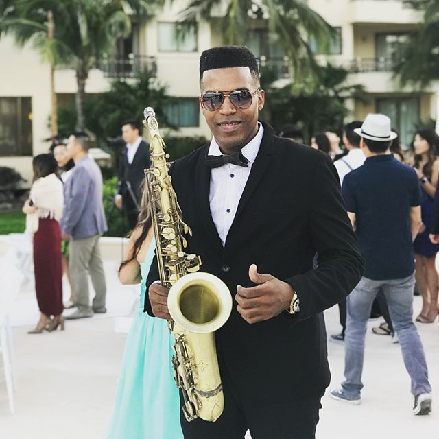 👰wedding at Dreams Resorts Cancun #destination #destinationweddings #sax #saxofonista #saxplayer #b