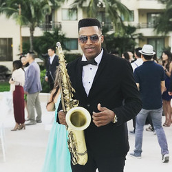 👰wedding at Dreams Resorts Cancun #destination #destinationweddings #sax #saxofonista #saxplayer #b