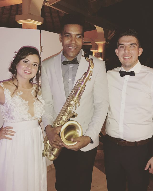 Sax 🎶🎷 & DJ 🎧 to night at wedding #palladiumresort #grandpalladiumrivieramaya #grandpalladiumkant