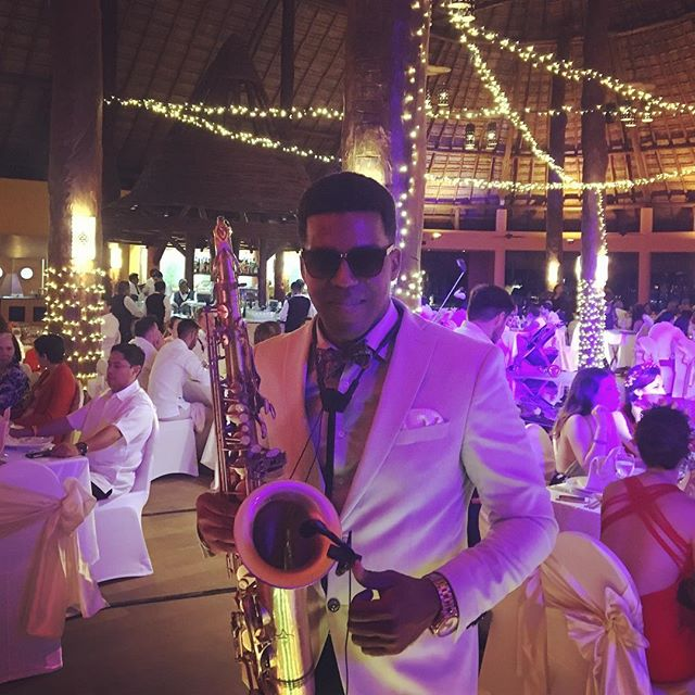 Weddings today 🎶🎶🎷💍 #sax #saxophone #weddings #boda #bodas #musicaparabodas #musica #cancun #coz
