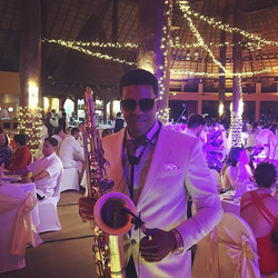 Weddings today 🎶🎶🎷💍 #sax #saxophone #weddings #boda #bodas #musicaparabodas #musica #cancun #coz