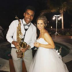 Playing at weddings 👰 beautiful bride 🎶🎷💍 ._._._._