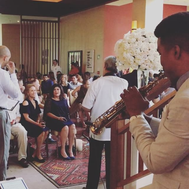 Waiting for the bride ☺️🎶🎷💍 today #bayantree #bayantreemayakoba #destinationweddingplanner #saxop