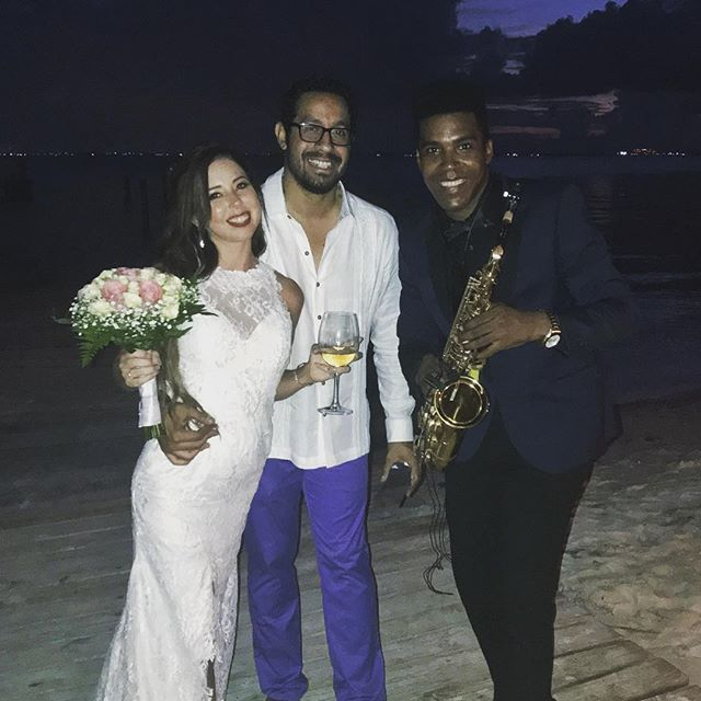Wedding Today 💍🎶🎷 at Zama Beach 🌊Isla Mujeres 🇲🇽 BOOK NOW 🎶🎷 #islamujeres #zamabeach #cancun