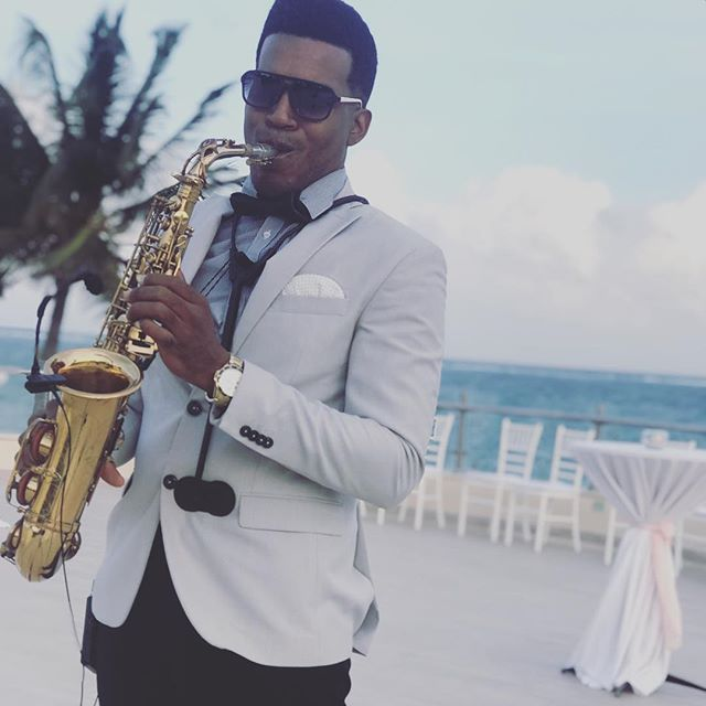 Thanks for choice me 🎶💍🎷 #dreamsrivieracancun #cancun #saxplayer #sax #weddingssax #bodas #destin
