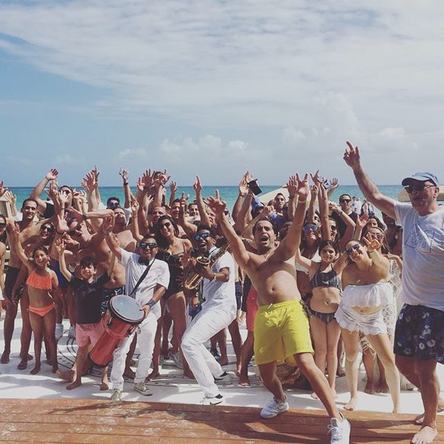 Beach Party Wedding🎷#grandhyattplayadelcarmen #destinations #destinationweddings #boda #sax #usa #c