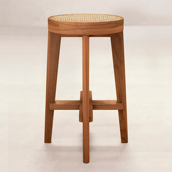 02_High_Cane_Seat_Stool_Front.jpg