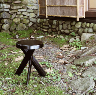 SOLD OUT - Round Stool S31A URUSHI ver.