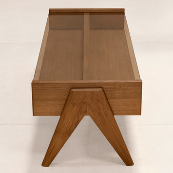 02_Ch_Coffee_Table_Front.jpg