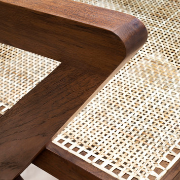 06_Easy_X_Chair_Detail_C.jpg