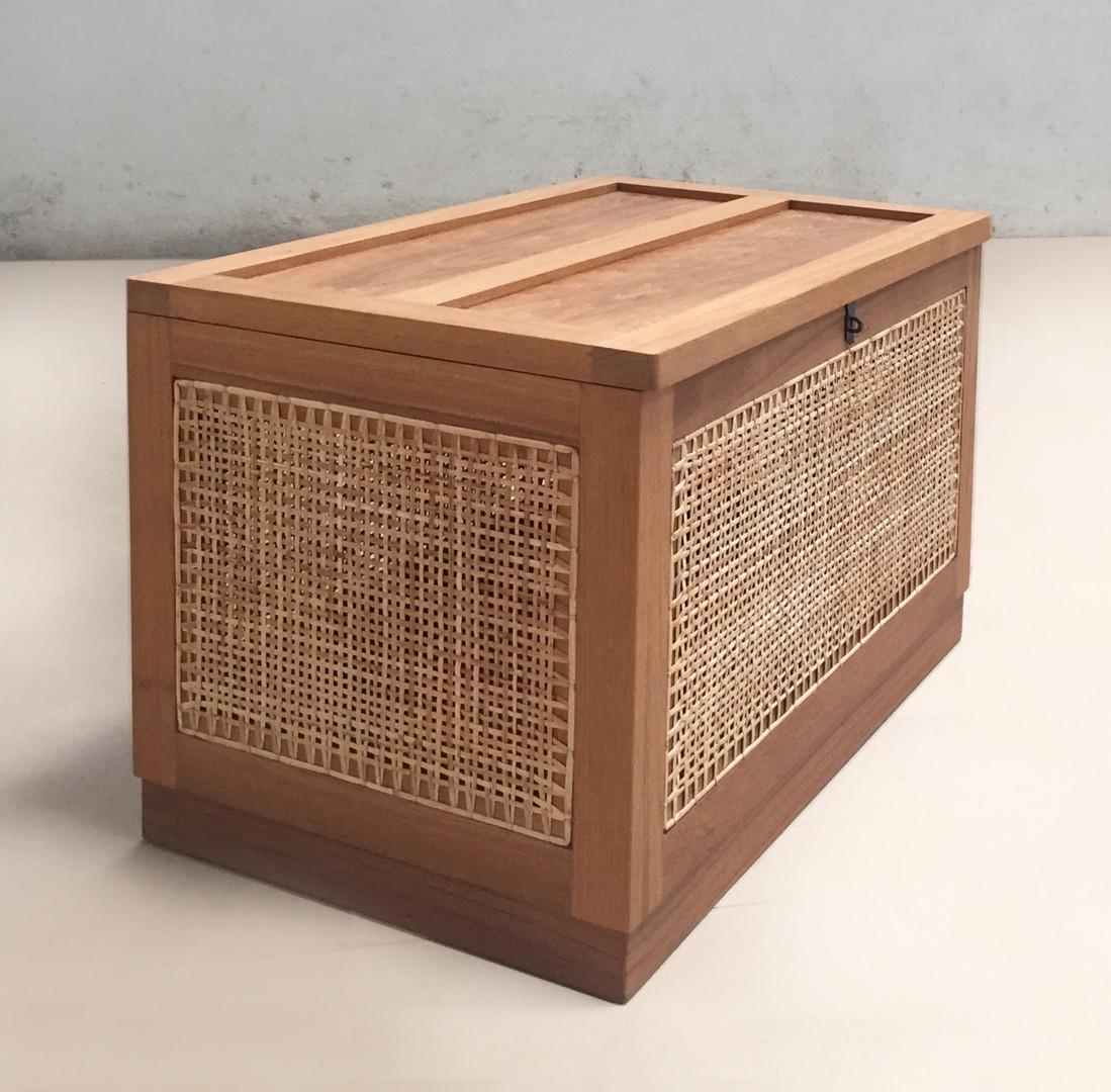 Linen Basket wood top