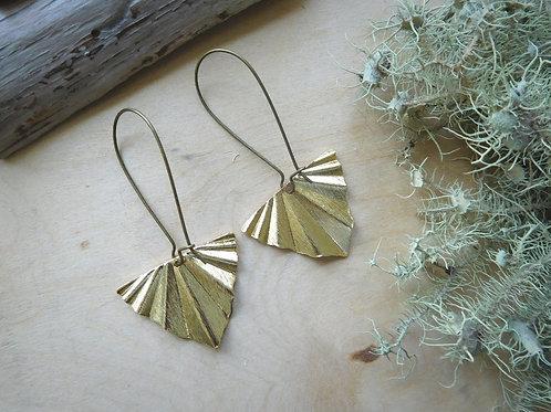 Vintage Feel Leaf Earrings