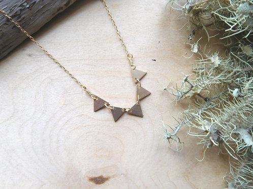 Five arrows necklace