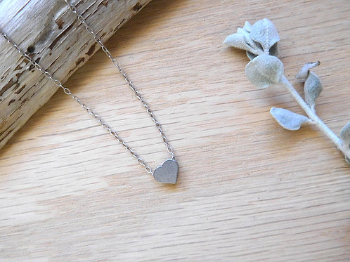 WS Tiny silver heart on delicate silver chain
