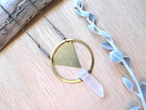Wholesale brass hoop and arrow quartz necklace